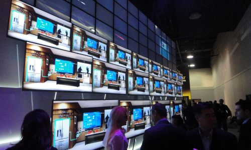 consumer-electronics-show-2011-vegas-ces-show-nevada-lg-thinnest-tv-ever